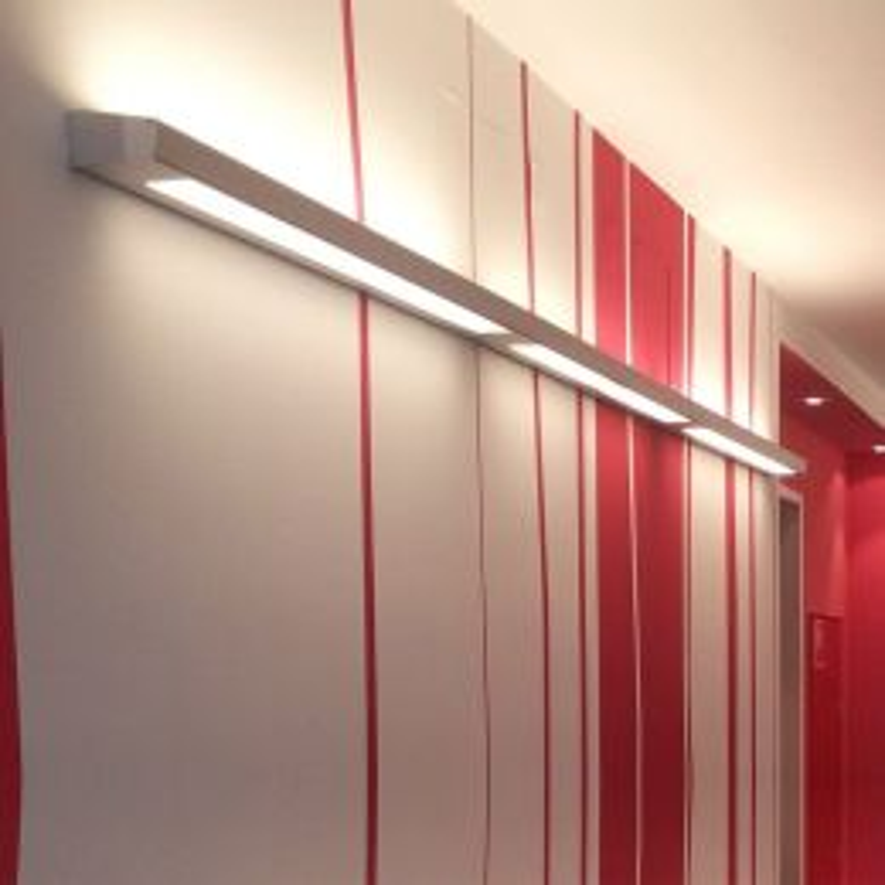 BYOK Laterale 2050 LED-Wandleuchte Milieu 1