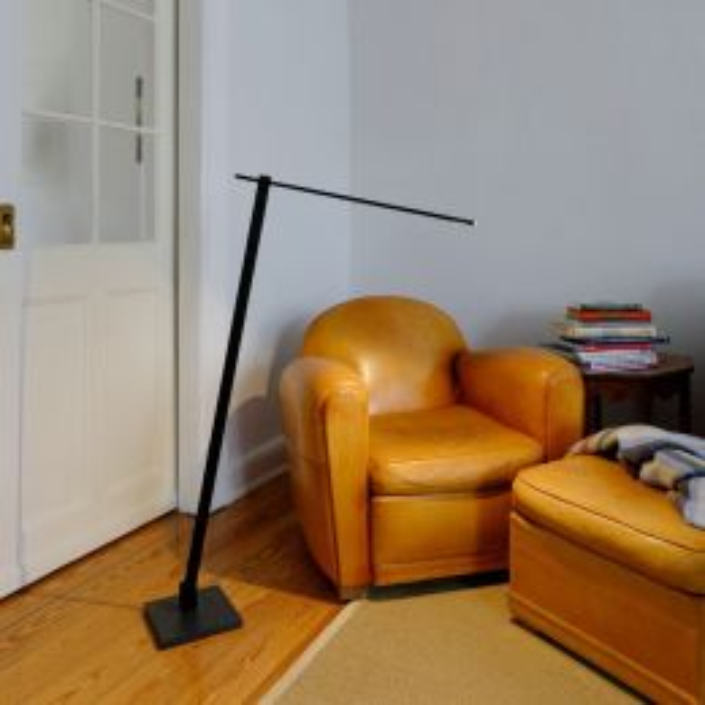BYOK Nastrone LED-Stehleuchte-Schwarz matt-mit LED (2700K)