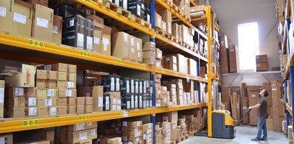 Schnelle Lieferung der Designleuchten von Artemide, Occhio, Bankamp, Bopp Leuchten, Escale, Foscarini, Baltensweiler und vielen anderen Herstellern durch das große Lager von Lampenonline.